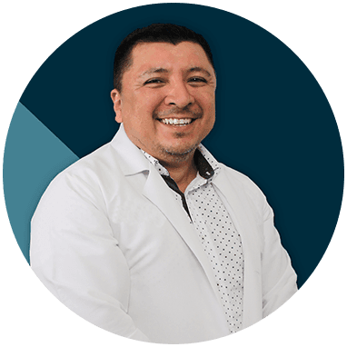 Cancun orthopedist doctor smiling