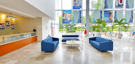 Cancun orthopedist clinic lobby
