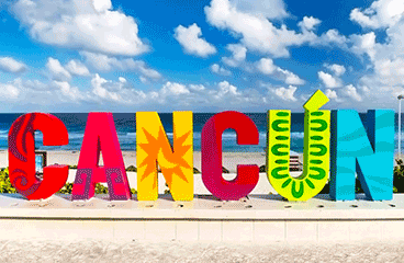Letter sign with Cancún name