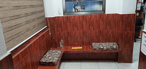 Chiapas orthopedist clinic lobby