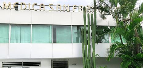 Guadalajara aesthetic clinic entrance