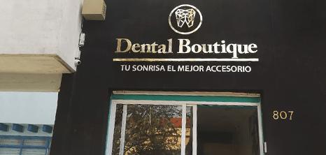 Oaxaca dental clinic entrance