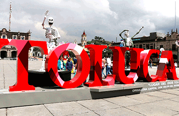 Letter sign with Toluca name